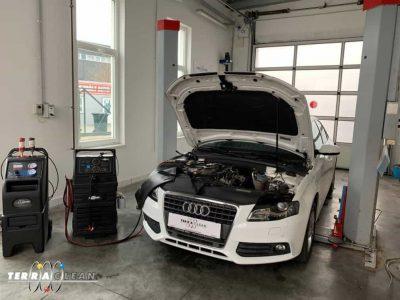 TerraClean_Belső_motortisztítás_Audi_A4_v44.jpg