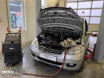 TerraClean_Belső_motortisztítás_Mercedes_A200_v37.jpg