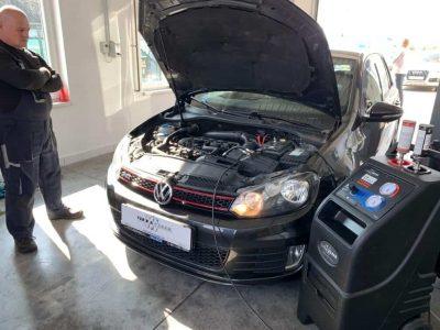 TerraClean_Belső_motortisztítás_VW_Golf_v16.jpg